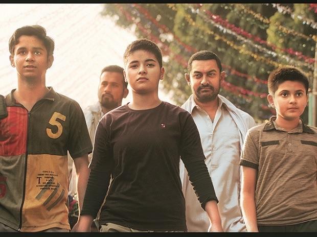 Aamir-Khan-feminist-dad-dangal