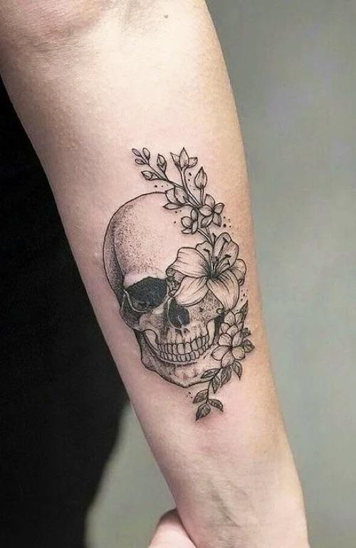 Women-Tattoo-Design-Ideas-Skull-03