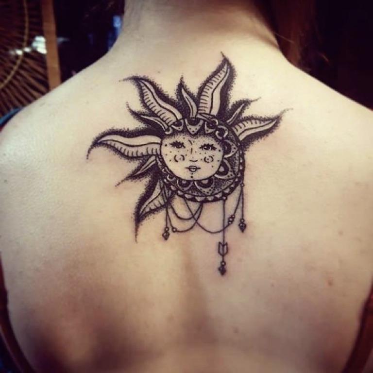Women-Tattoo-Design-Ideas-Sun-02