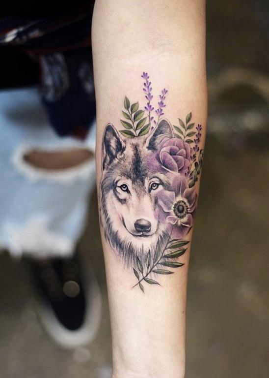 Women-Tattoo-Design-Ideas-Wolf-02