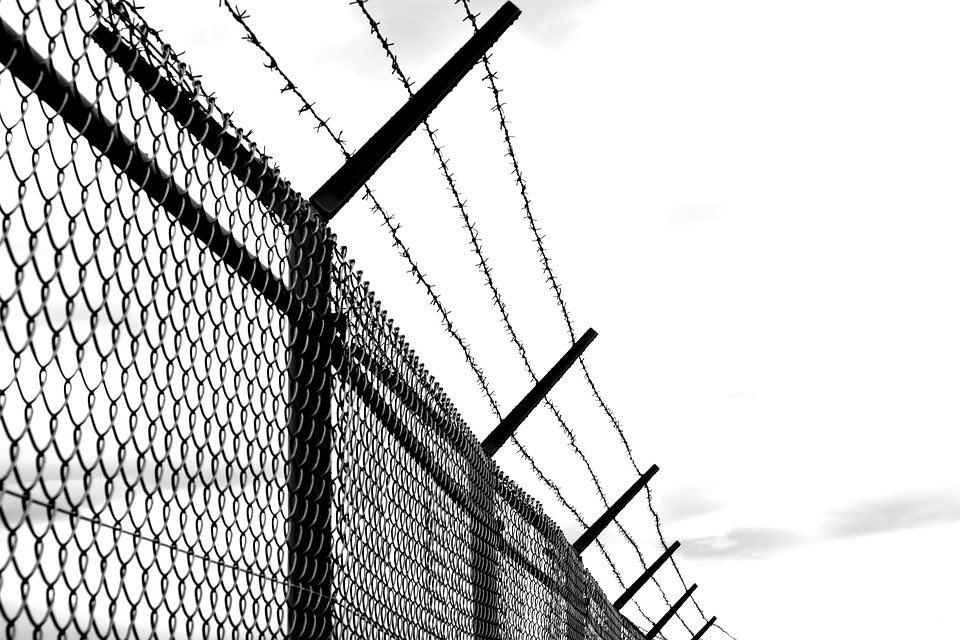Mystery-Riddle-Prisoner-Cell